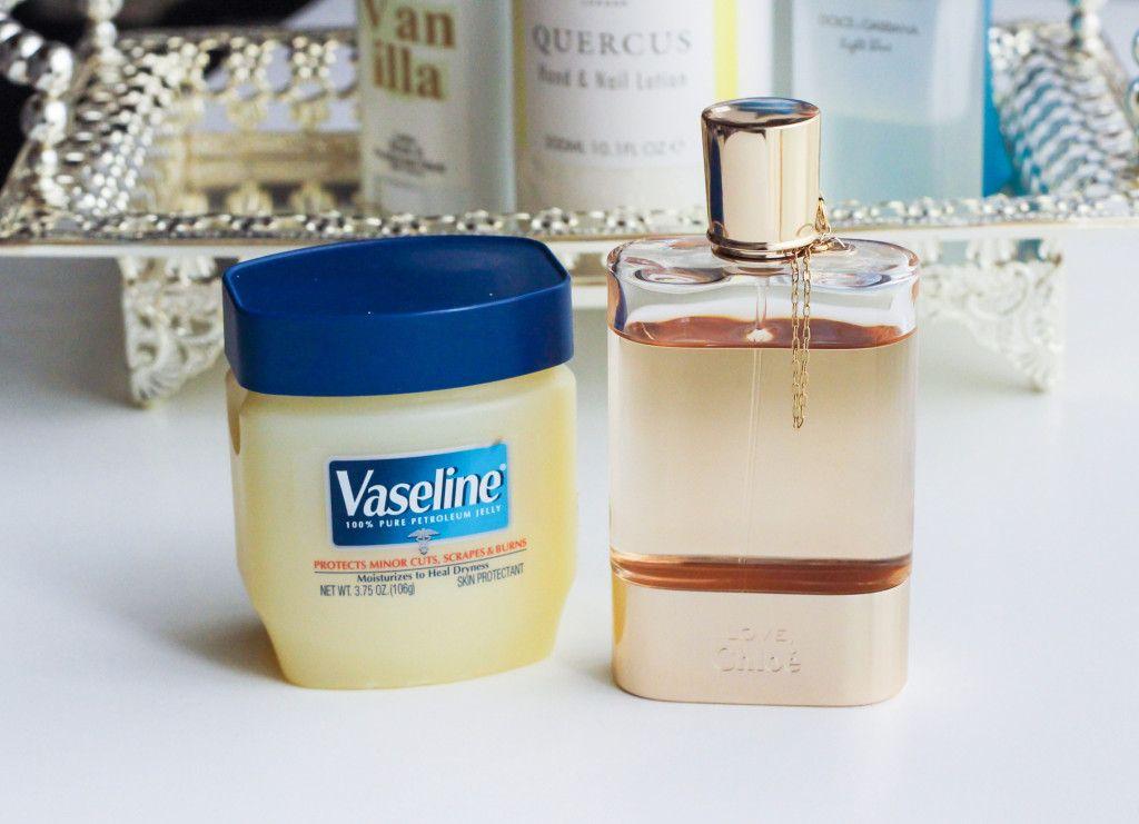 Cách xịt nước hoa giúp nàng lưu giữ mùi hương cả ngày Hè | ELLE