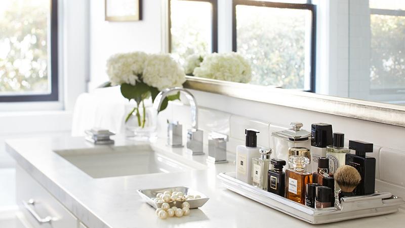 Chuyên gia mách bạn cách bảo quản nước hoa chuẩn cho hương bền lâu
