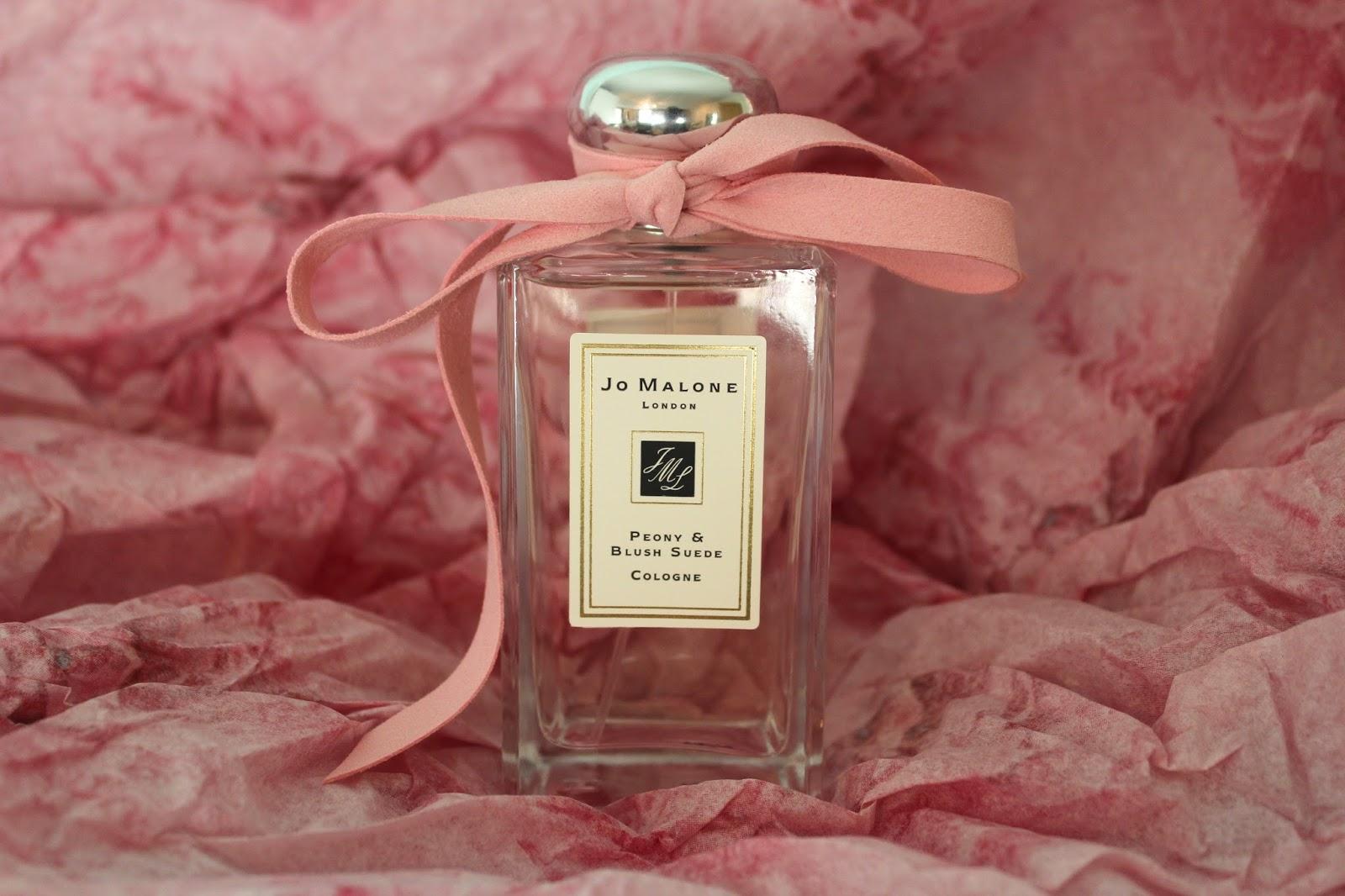Nước hoa nhẹ nhàng thơm lâu cho nữ
